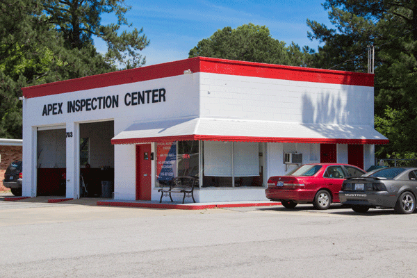Apex Inspection Center | NC State Inspection and Emissions Station | 703 E Williams St, Apex NC 27502 | 919-985-7162
